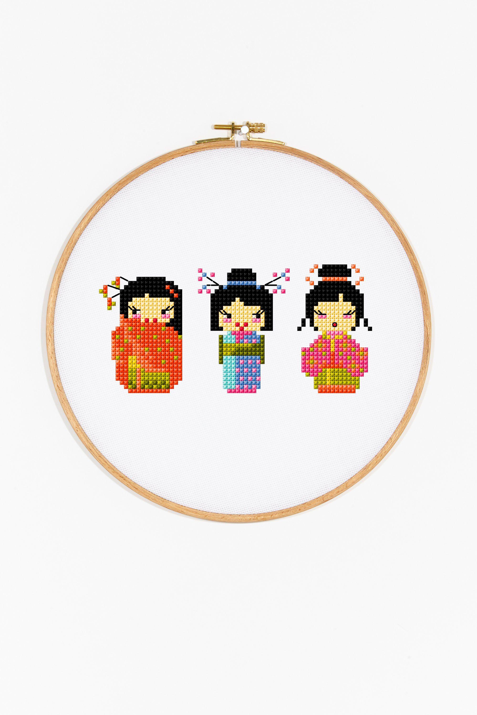 VOYAGE AUTOUR DU MONDE Les jeunes filles aux sushis. Diagramme gratuit DMC à télécharger.