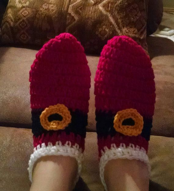 Crochet Santa slippers by stephsyaya on Etsy