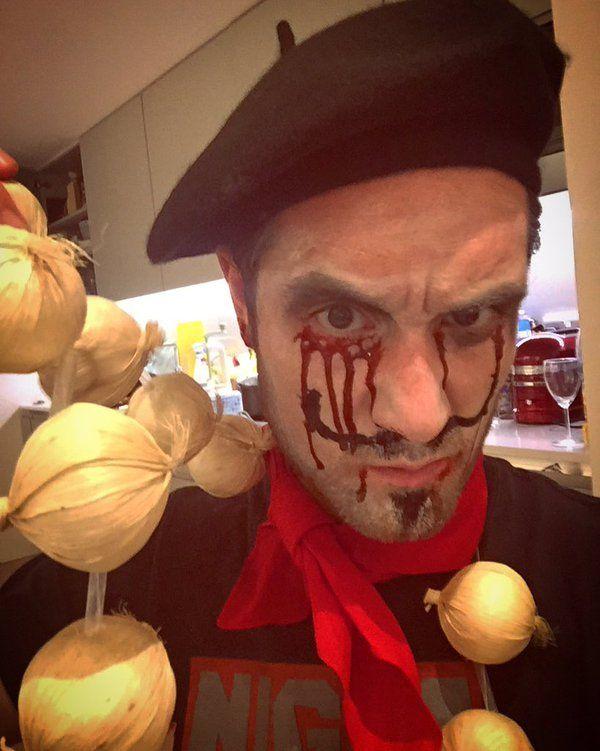 "BASTILLE (@bastilledan) | Twitter Oct 31 2015 #Bastille #DanSmith ""We're dead French tonight"""