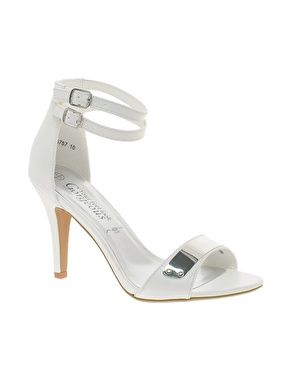 New Look Trendy Metal Ankle Strap Heeled Sandals. white shoes. bride shoes. sandals. heels. low cost. 26,50€