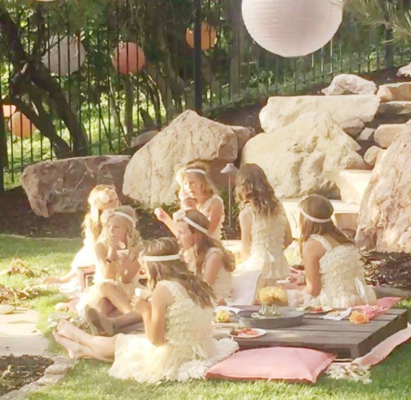 49 Very Romantic Backyard Wedding Decor Ideas