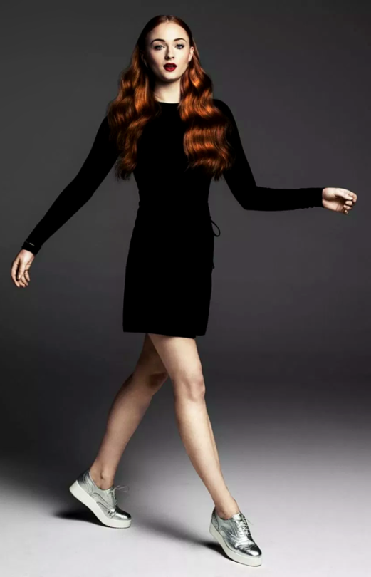 Stumong Sophie Turner Truckerhat Estheticsupplies Headrestcovers Headpiece Undergarments Tunik Skirtkembang Sophie Turner Fashion Justin Campbell