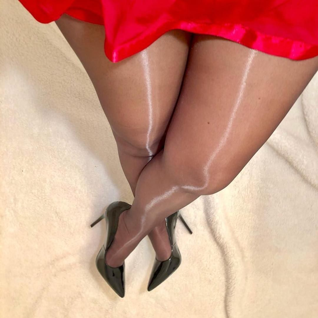 pantyhose-why-nylon-naked-big-vagina