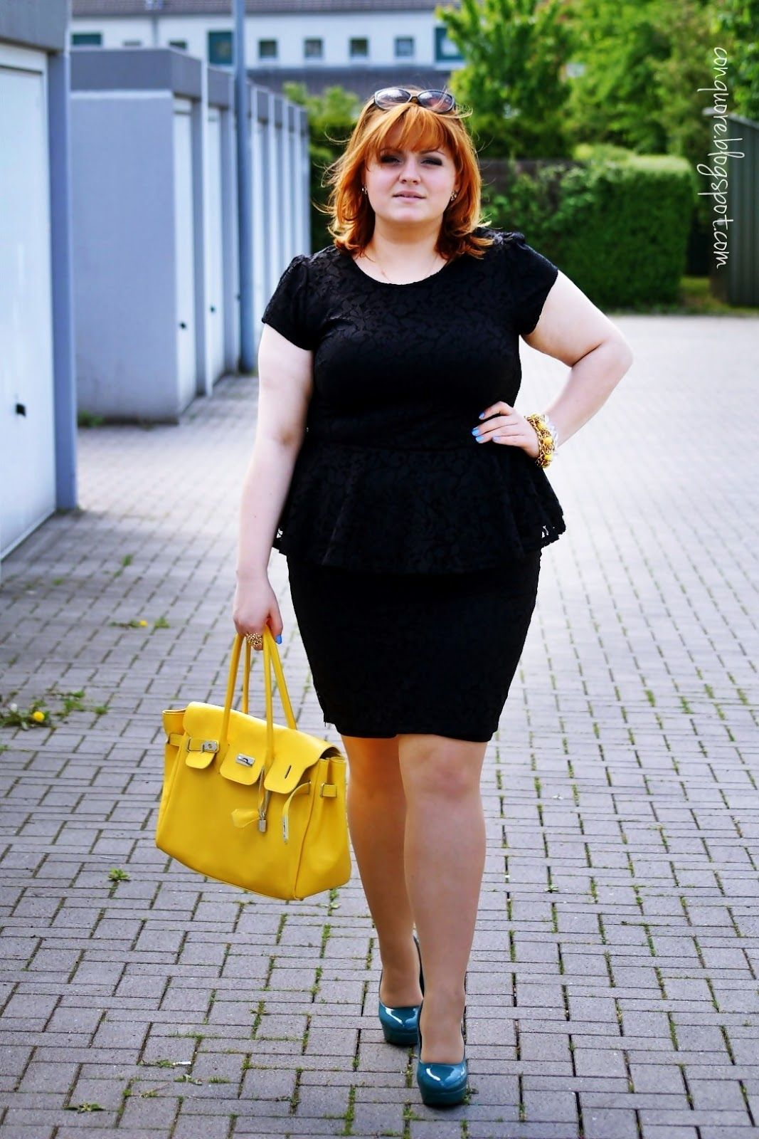 Details without a blazer!  Let me be your inspiration for elegant plus size and curvy fashion! ConQuore - with heart for plus sizes and inbetweenies!     http://conquore.blogspot.de/2013/05/sunday-outfit.html     #plussize #curvy