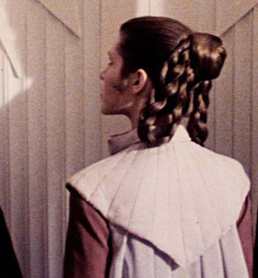 Princess Leia In Star Wars Episode V The Empire Strikes Back Star Wars Hair Princess Leia Hair Princess Leia Buns