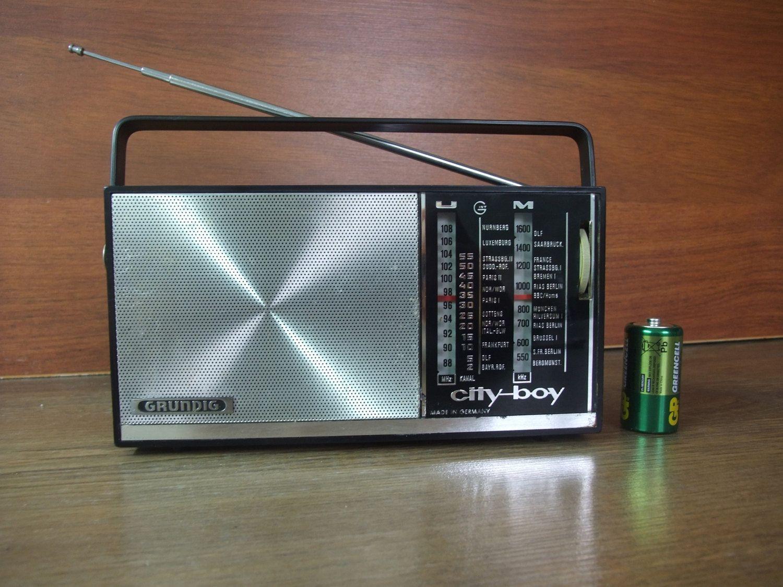 working grundig portable transistor radio city boy 208. Black Bedroom Furniture Sets. Home Design Ideas