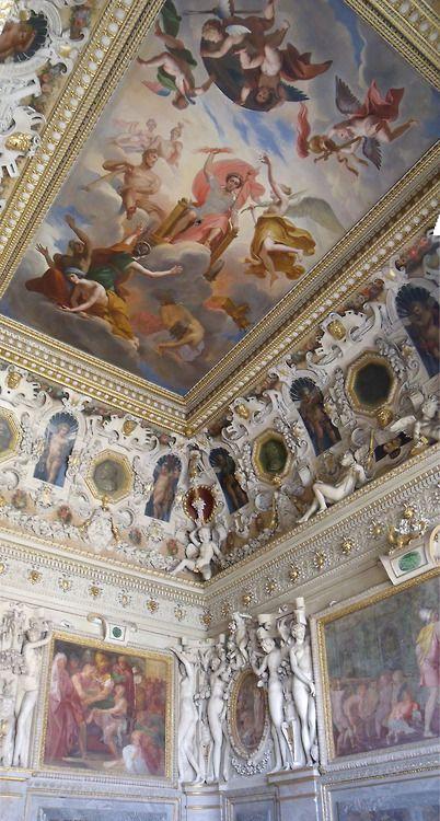 Château de Fontainebleau, 77300 Fontainebleau, France  http://www.castlesandmanorhouses.com/photos.htm  The Château or Palace of Fontainebleau, one of the largest French royal châteaux is located 55 kilometres from the centre of Paris