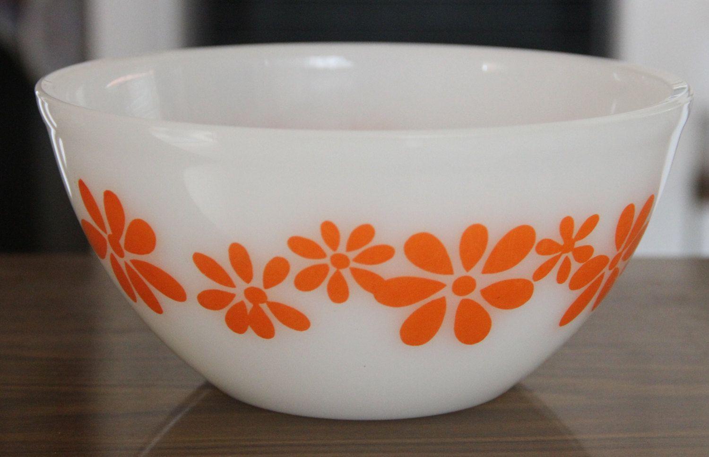 Vintage Pyrex Bowl -Orange - Daisy Chain Pattern | Pyrex bowls ...