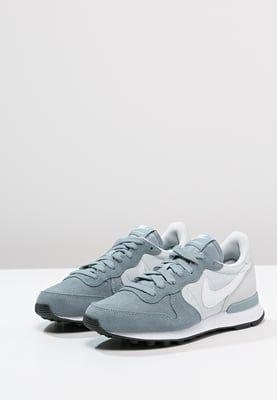 los angeles acc51 e1f68 Nike Sportswear INTERNATIONALIST - Trainers - dove grey white pure  platinum black - Zalando.co.uk