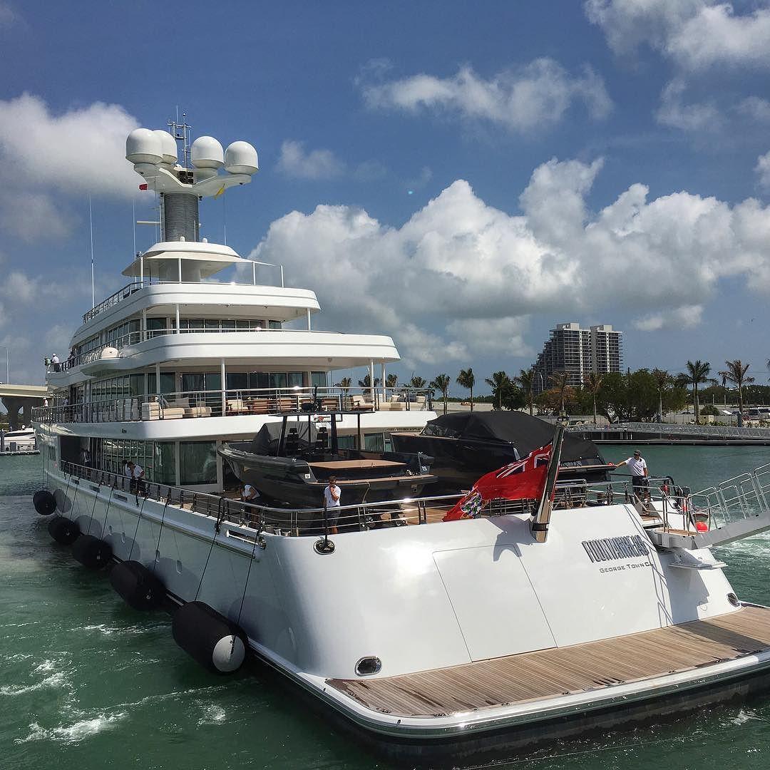 Fountainhead Yacht