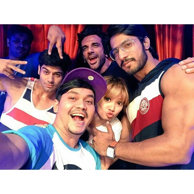 Selamat pagi / gud morning #MahaCintaShowANTV  #lavanyabhardwaj  #aravchowdharry  #thakur_anoopsingh  #lavers  Have a rocking day :)
