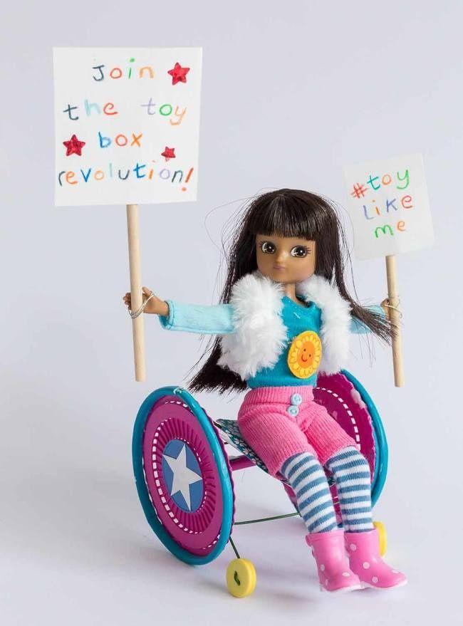 Primeira linha debonecas com deficiência é sucesso absoluto
