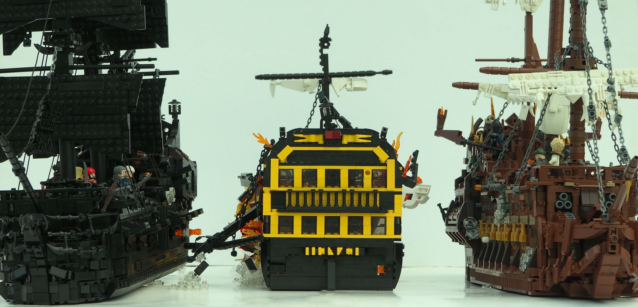 the sinking of the hms endeavour flying dutchman and lego. Black Bedroom Furniture Sets. Home Design Ideas