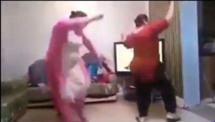 Mehndi Party Dance : My mehndi on party dance sari info video news pinterest