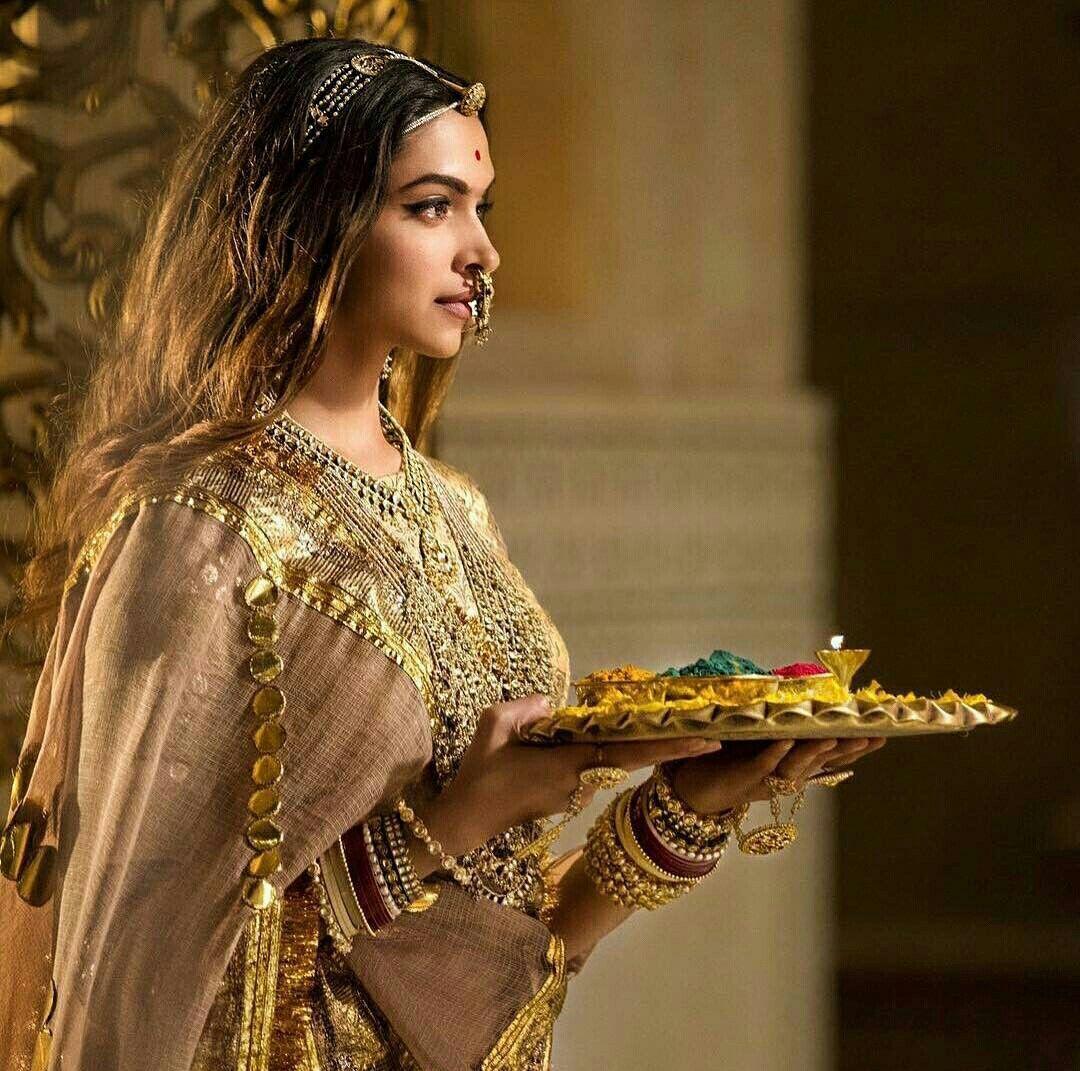 Rani Padmavati Padmaavat Movie Deepika Padukone Deepika Padukone Style Indian Celebrities Bollywood Fashion