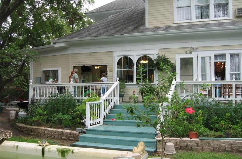 Strickland Arms Bed And Breakfast In Austin Texas B B Rental Bed And Breakfast Outdoor Decor Great Places