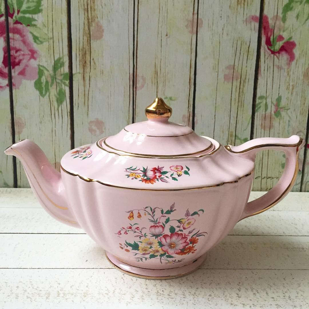 Sadler oval pink floral teapot in very good condition.