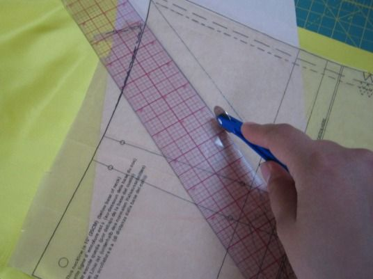 5 Sewing Tools Tracing Wheel: Used to ...
