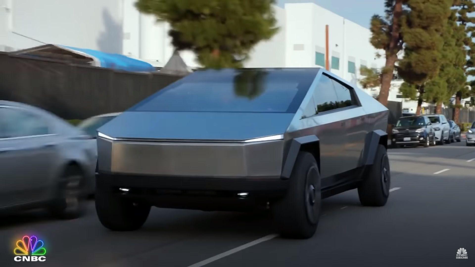 Elon Musk And Jay Leno Cruising In The Tesla Cybertruck Is Painfully Blissful Top Speed Tesla Car Tesla 2008 Corvette