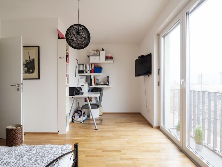 Arbeitsplatz In Schon Moblierter 1 Zimmerwohnung In Frankfurt Am Main Wohnen In Frankfurt Frankfurt Wohnung Apartment Homeoffi Wg Zimmer Wohnung Wohnen