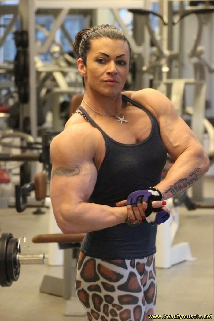 Michaela Schaar | Bodybuilding, Muscle, Girls image