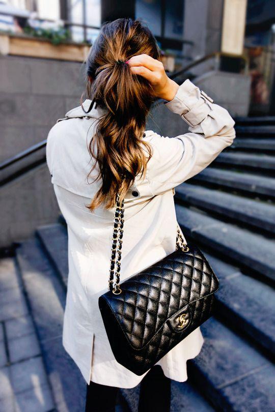 0c6e80664143 black skinnies + cream trench + chanel purse ...