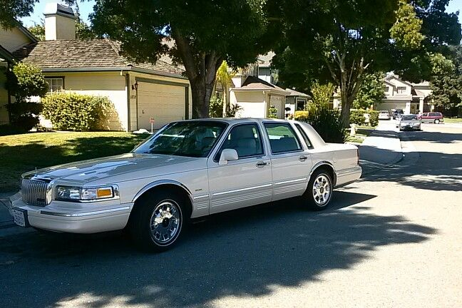 1997 Lincoln Town Car Cartier Classic Cars I Love Pinterest