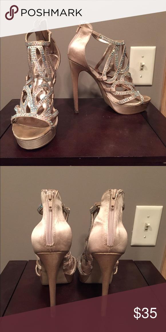 Steve Madden Siinger Heels 7.5 Gorgeous high heels. Light use (2 times). Steve Madden Shoes Heels