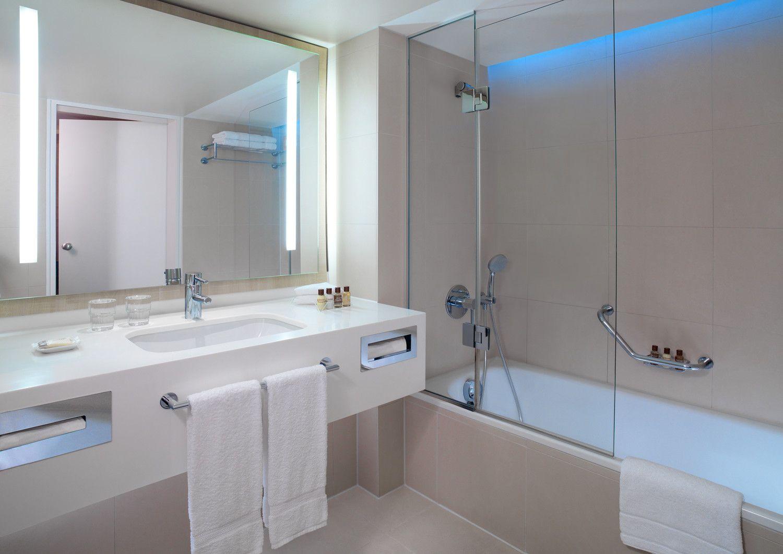 Bath Room Sheraton Frankfurt Airport Hotel Conference Center