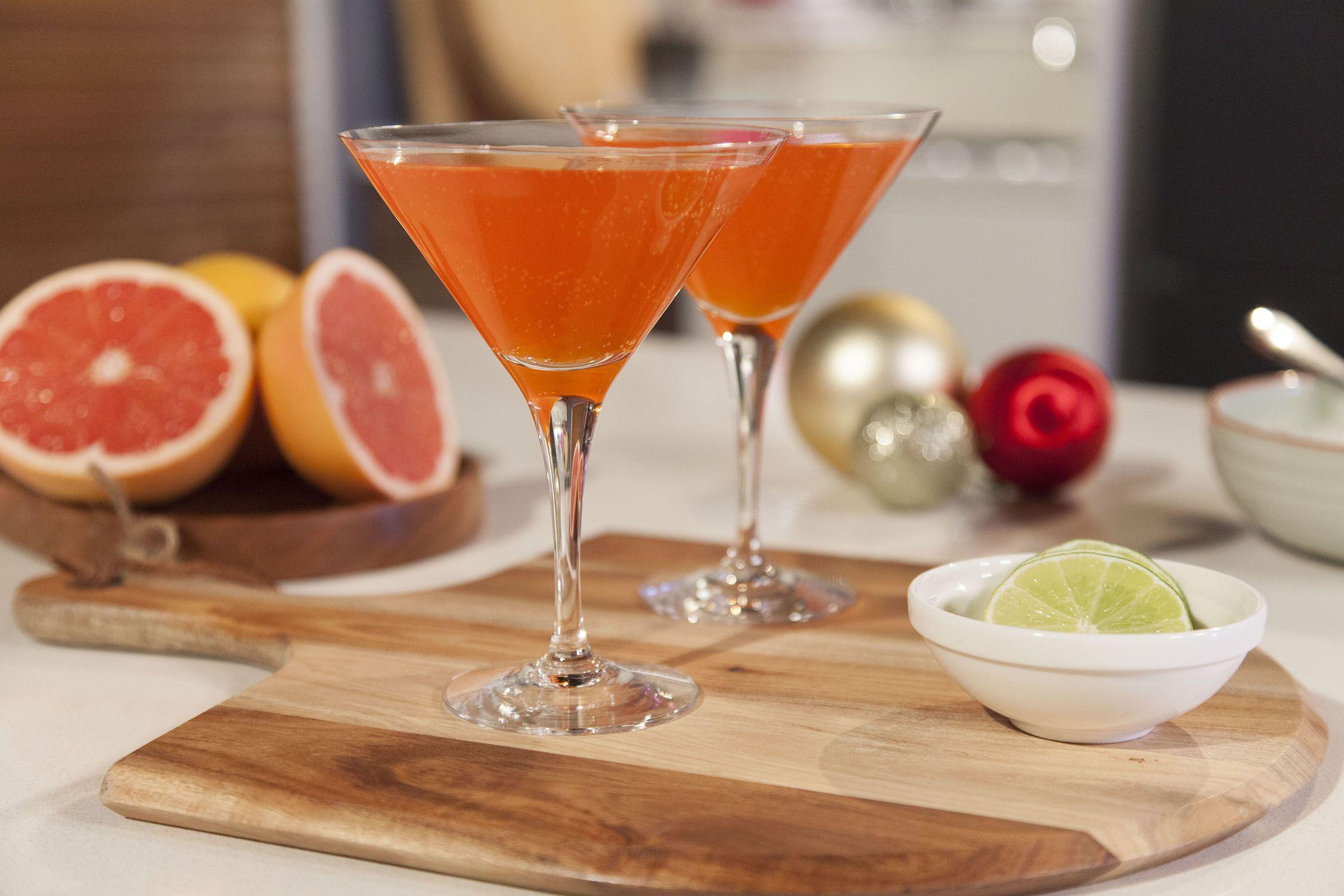 Aperol and Red Grapefruit Cocktail #grapefruitcocktail