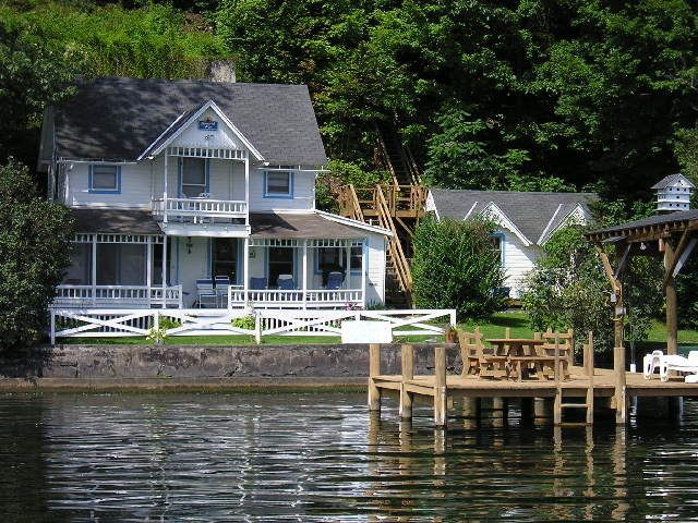 Visit Lakehousevacations Com To Book This Home For Your Next