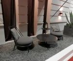 Butacas con mesa baja en metal