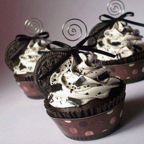 oreo, chocolate, and cupcake image