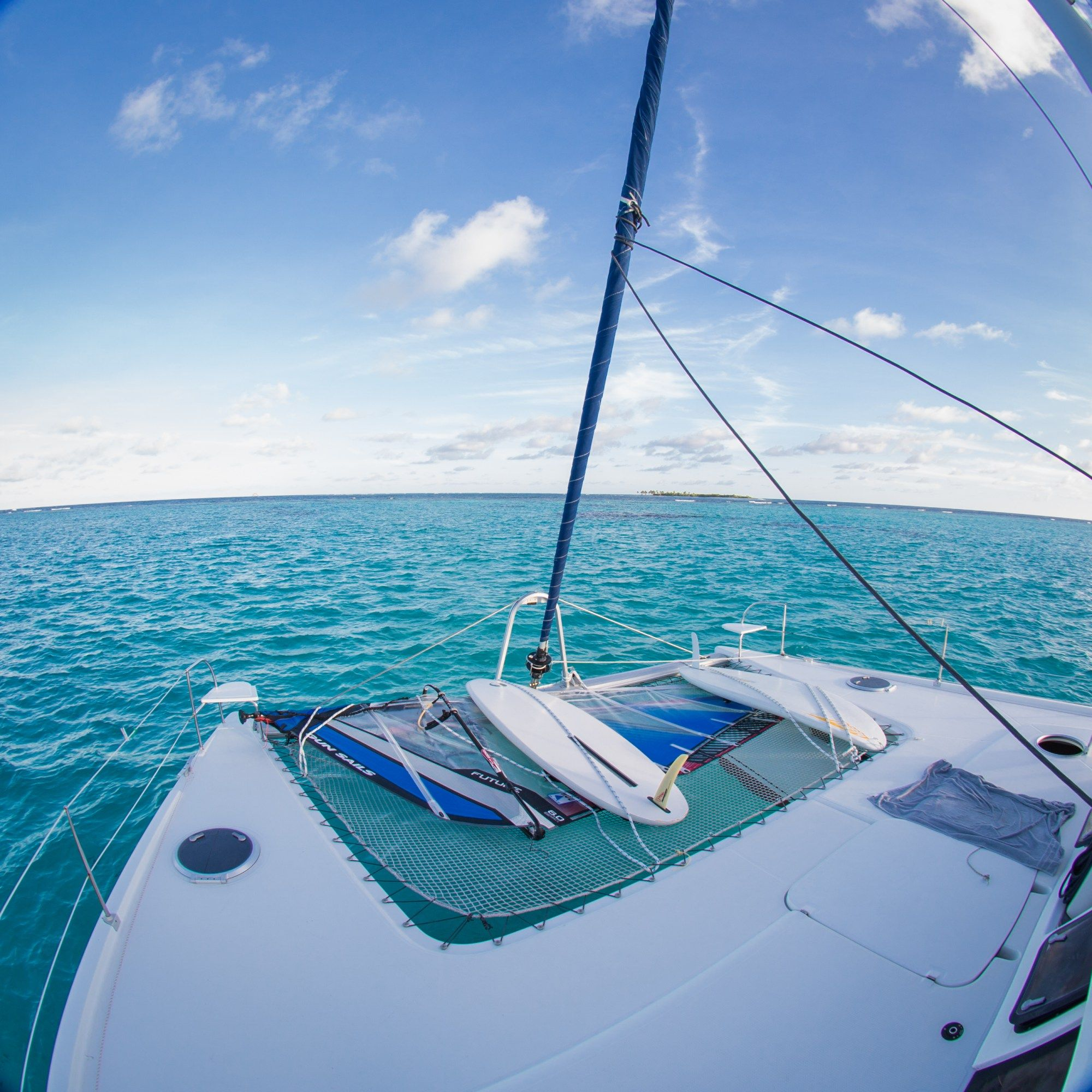 How much it costs to live on your sailboat in the