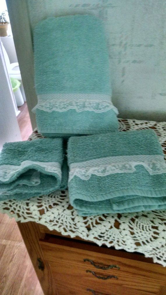 Vintage Bath set. Green with lace trim. by CountryVintageBarn