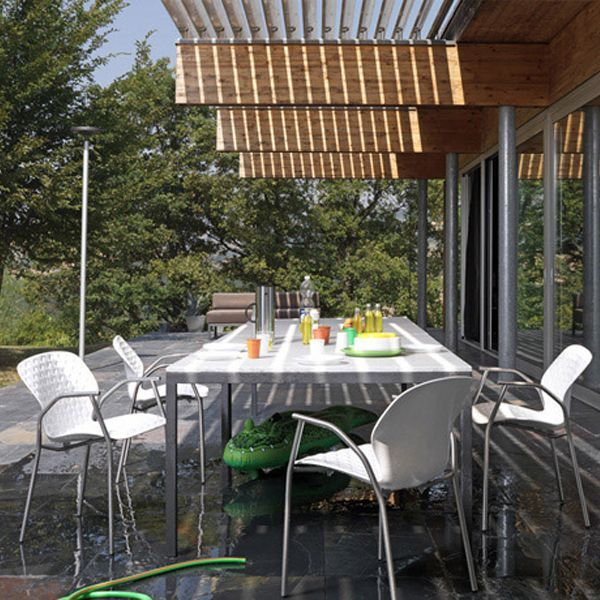 Sedia lavenham outdoor design patricia urquiola de for Arredamento outdoor design