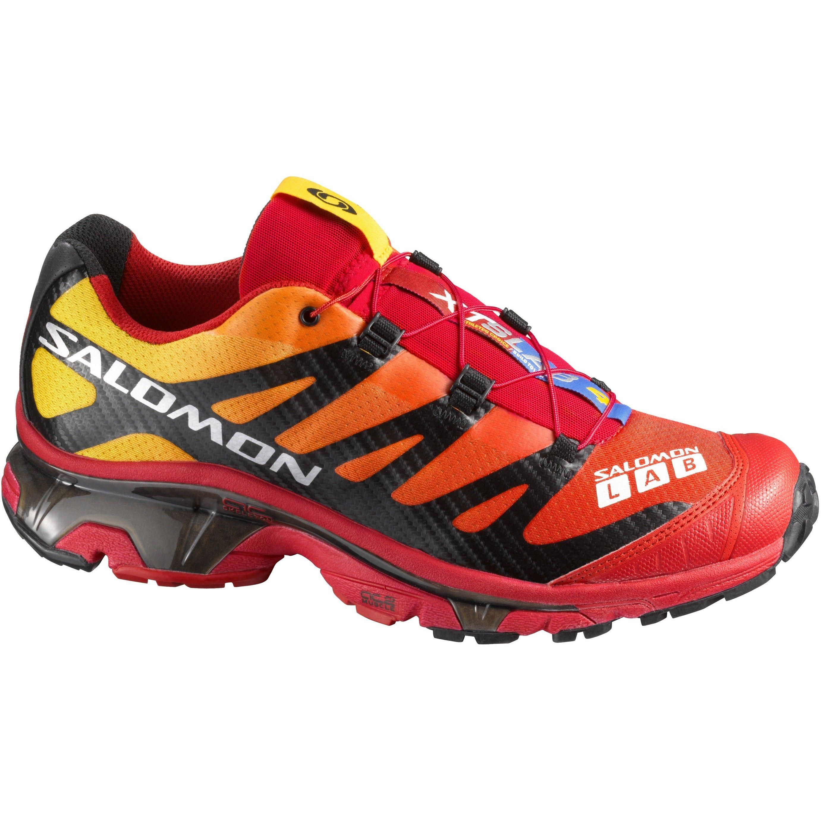 Ein von Wettkämpfern konzipierter Trail Racing Schuh für maximale Agilität bei Trail Running Wettkämpfen. Mit asymmetrischer Schaftkonstruktion für verbesserte Passform.