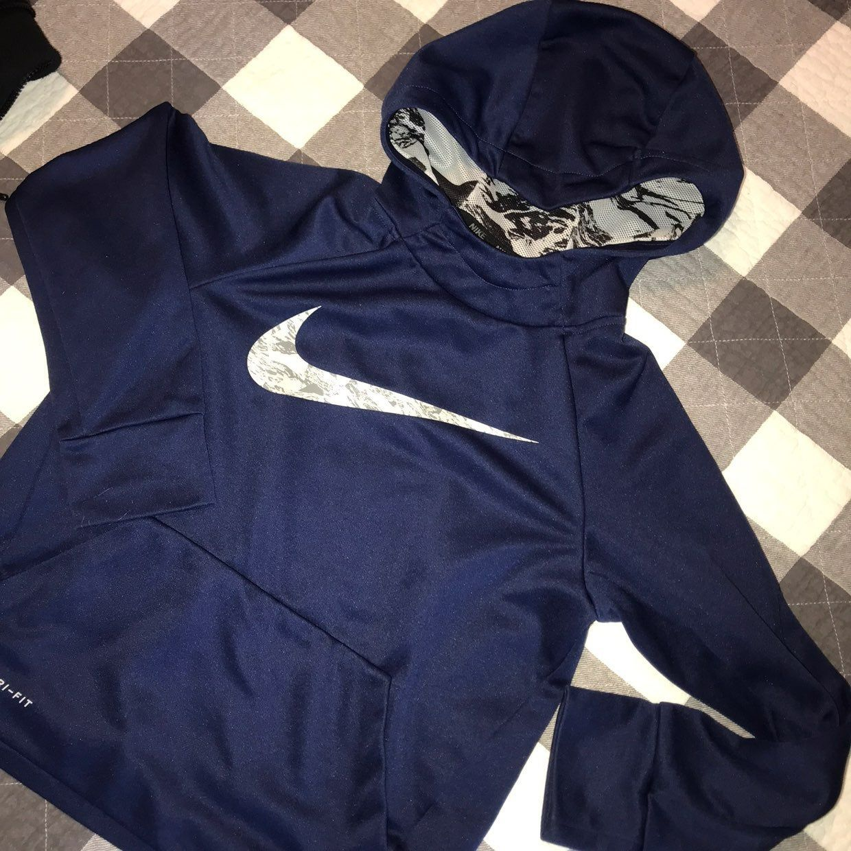 Boys Dri Fit Nike Hoodie Size Small 7 Nike Dri Fit Hoodie Nike Dri Fit Workout Hoodie [ 1240 x 1240 Pixel ]