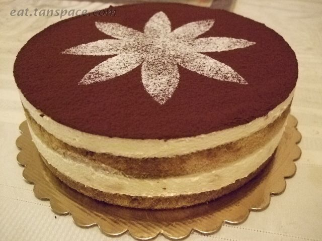 Google Image Result for http://amerahanna.files.wordpress.com/2011/04/golden_bakery-tiramisu.jpg