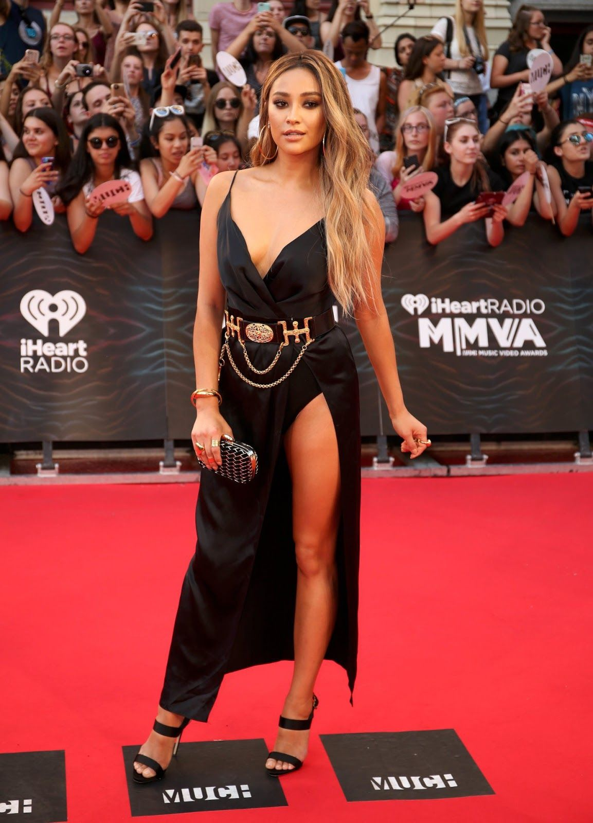 Pretty Little Liars Sizzle At The Muchmusic Video Awards 2016 In