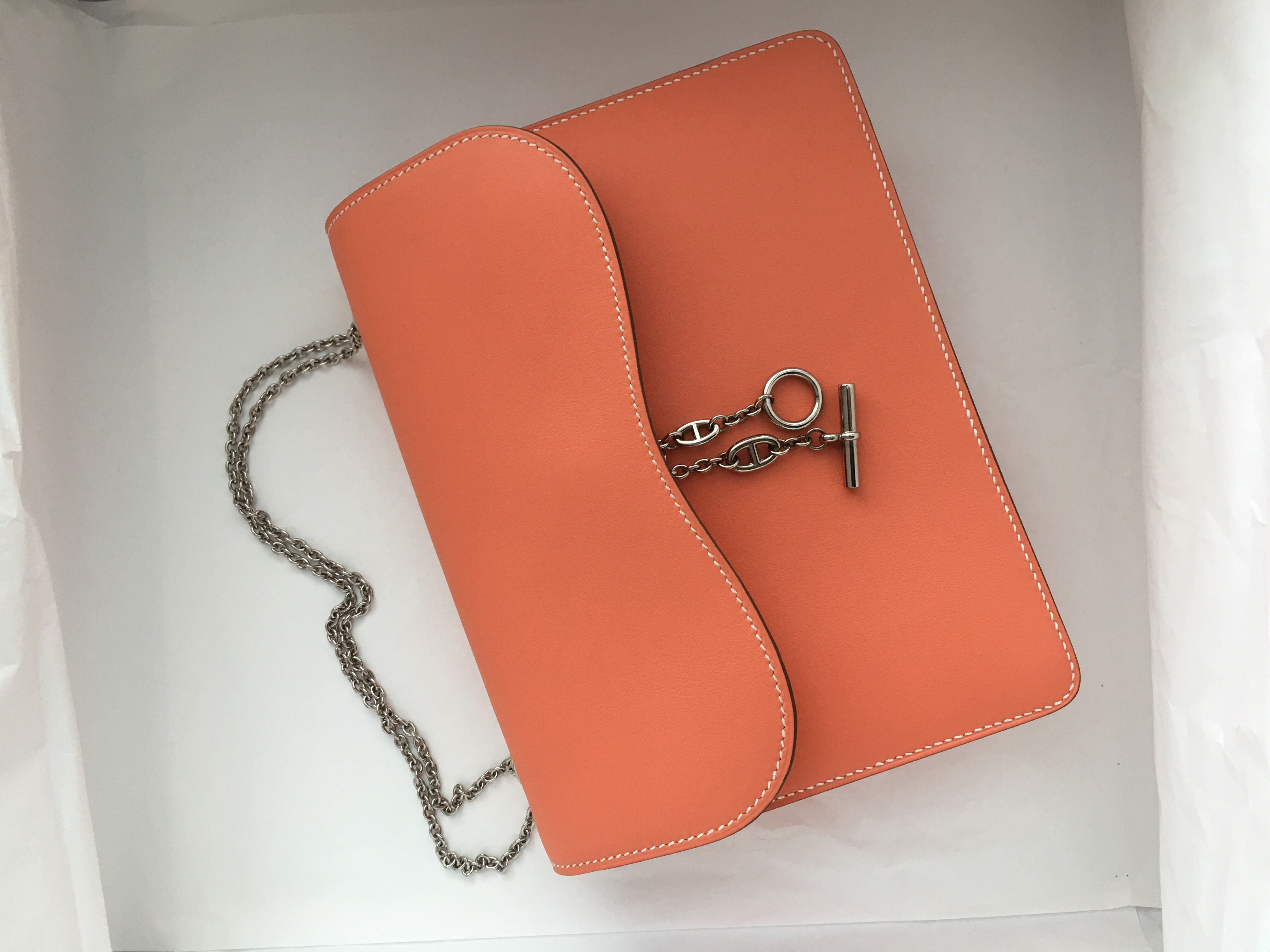 Model: Hermes Catenina Condition: Kept unused Stamp: Q Color: Flamingo  Leather: Swift Hardware: Palladium hardware Comes with: Full set with box.
