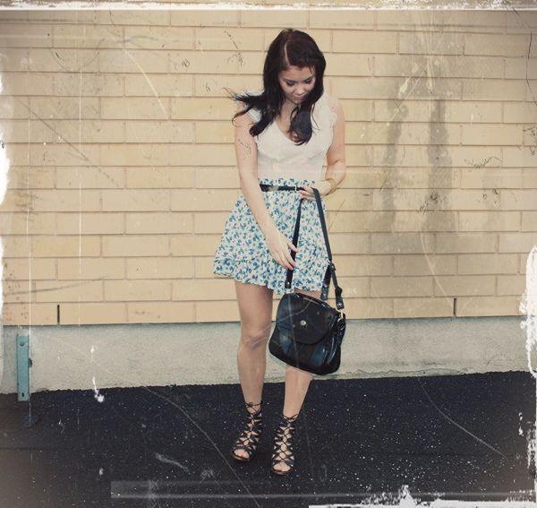 Hame: Zara, pusero: H&M, kengät: Bronx, vyö sekä laukku: kirpparilta.