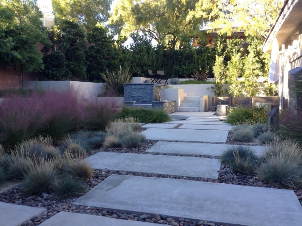 Enchanting Small Garden Landscape Ideas With Stepping Walk: A Wall Of Trees Encloses This Enchanting Garden. A