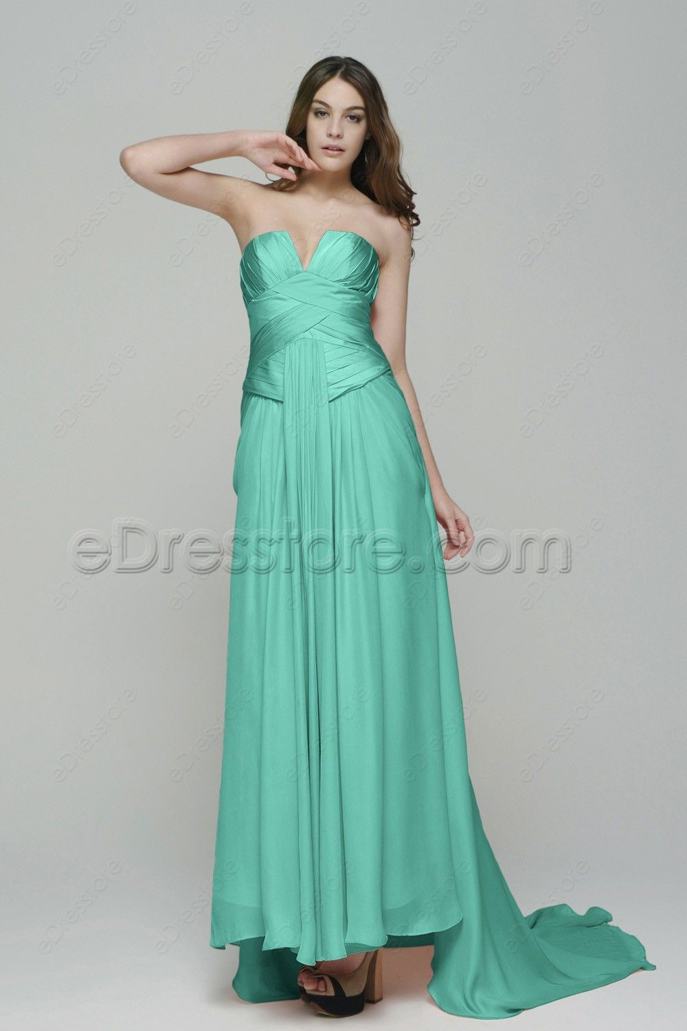 Notched neckline mint green evening dresses with train green