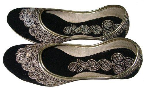 f83ecd3e11d7b Handmade Jooti Women Black Velvet Mojari Embroidered Khussa Ladies ...
