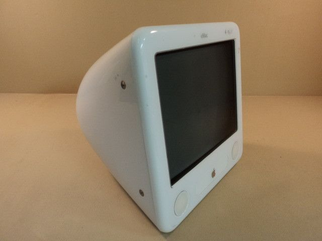 Apple eMac PowerMac PowerPC G4 17in 1GHz White 40GB Hard Drive A1002 EMC 1955 -- Used