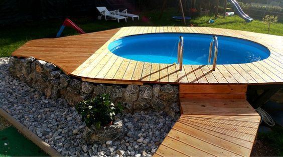 so wird aus einem normalen pool dank des tollen holzpodestes ein wahrer hingucker der zum. Black Bedroom Furniture Sets. Home Design Ideas