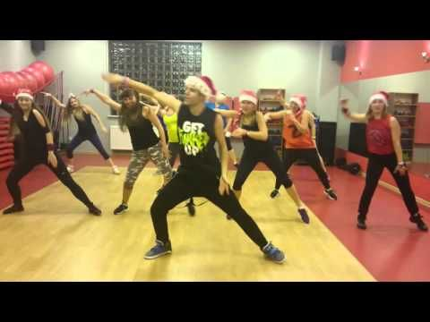 Zumba Feliz Navidad Christmas Cha Cha Youtube Zumba Dance Workouts Zumba Zumba Workout Videos
