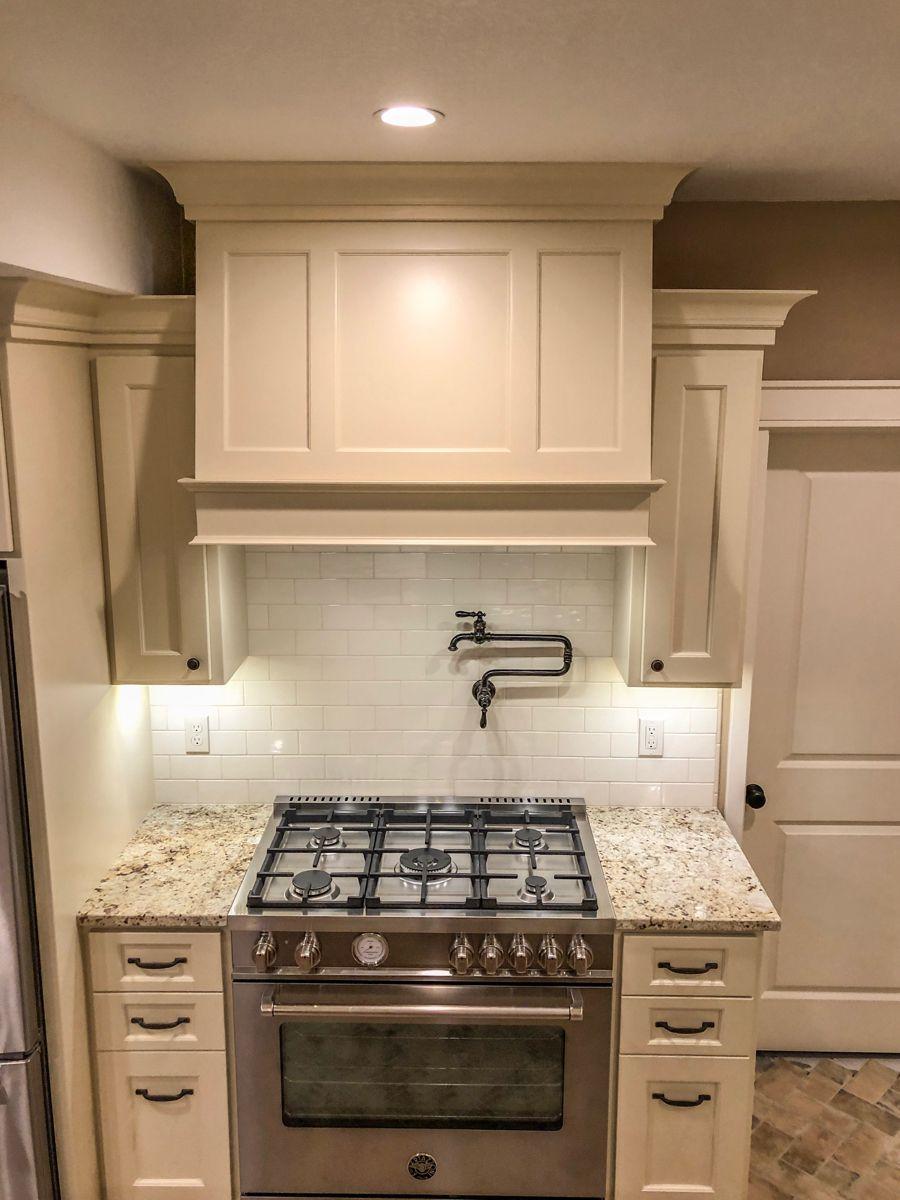 Cream Cabinets Vent Hood Cream Cabinets Cream Colored Kitchen Cabinets Kitchen Cabinet Colors