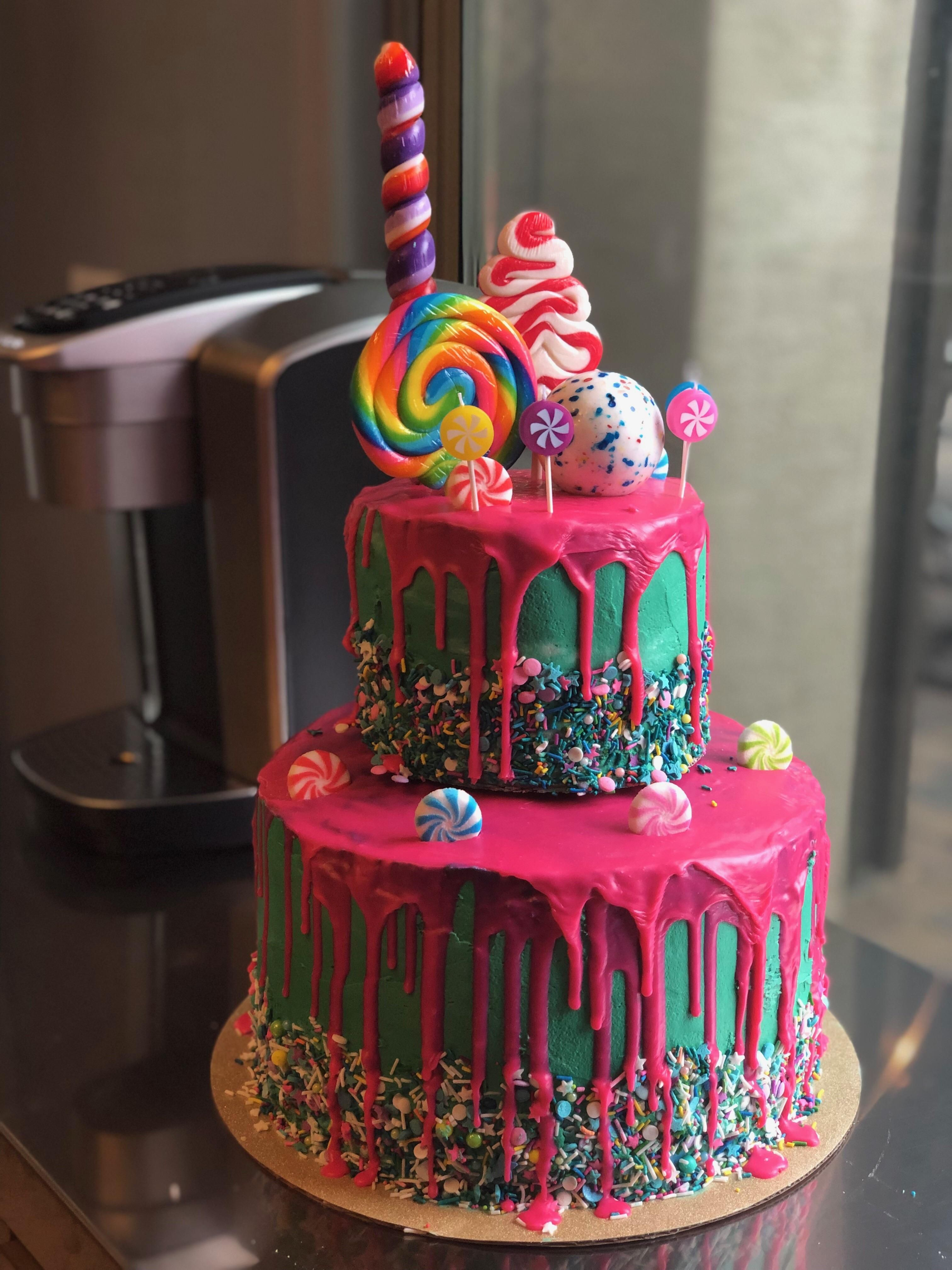 I made my daughter's 4th Birthday cake. I was going for a
